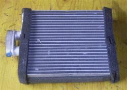 Wärmetauscher Heizungskühler 6Q0819031 VW Polo 9N  Bj. 02 (03/3632)